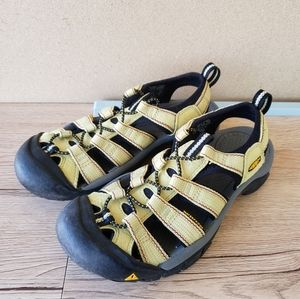 Keens Green Yellow Strappy Outdoor Water Sandals 7